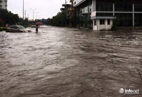 Thái Nguyên: Công bố tình trạng khẩn cấp, nhiều nơi ngập trong biển nước 1