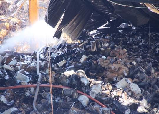 Xót lòng cảnh hoang tàn sau vụ cháy ở quận 4 1