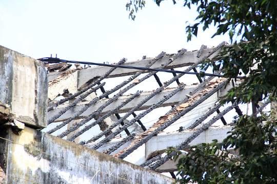 Xót lòng cảnh hoang tàn sau vụ cháy ở quận 4 2