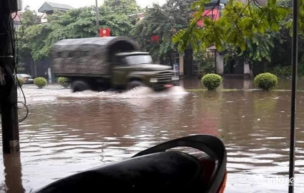 Thái Nguyên: Công bố tình trạng khẩn cấp, nhiều nơi ngập trong biển nước 3