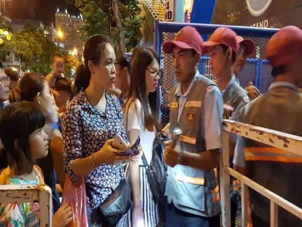 Khán giả không được vô xem pháo hoa Đà Nẵng vì vé giả 2