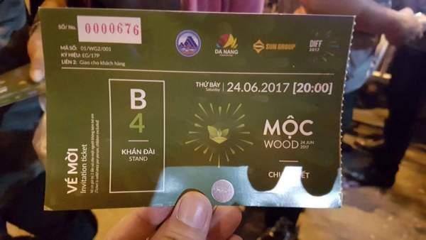 Khán giả không được vô xem pháo hoa Đà Nẵng vì vé giả 1