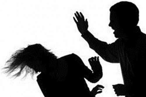 Chồng tát vợ tử vong vì ghen tuông 1
