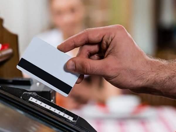 Vụ quẹt thẻ mất 700 triệu: Bắt giám đốc nhà hàng 2