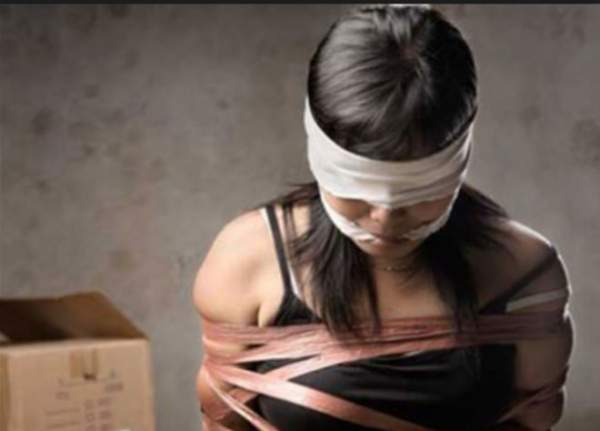 Thiếu nữ 15 tuổi bị nhốt trong nhà hoang suốt 4 ngày đêm 1