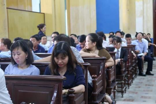 Đại gia Hứa Thị Phấn vắng mặt trong phiên xử Trầm Bê 2