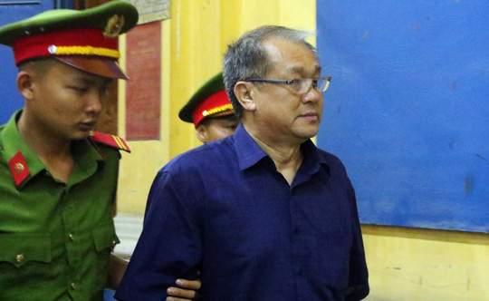 Đại gia Hứa Thị Phấn vắng mặt trong phiên xử Trầm Bê 5