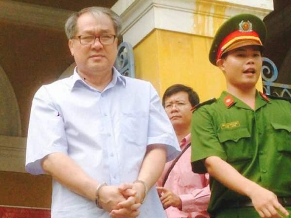 Đại gia Hứa Thị Phấn vắng mặt trong phiên xử Trầm Bê 7