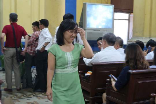 Đại gia Hứa Thị Phấn vắng mặt trong phiên xử Trầm Bê 1