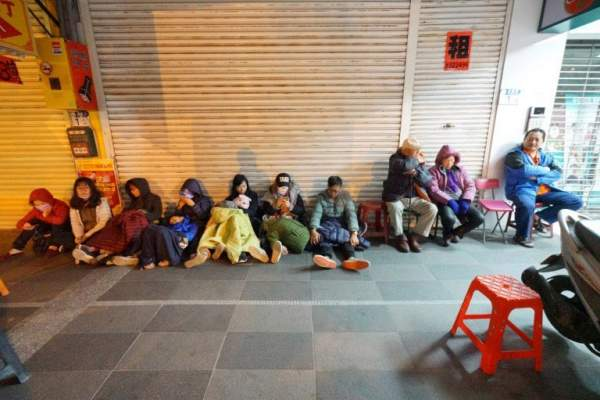 2 người chết, 200 bị thương sau vụ động đất rung chuyển Đài Loan 7