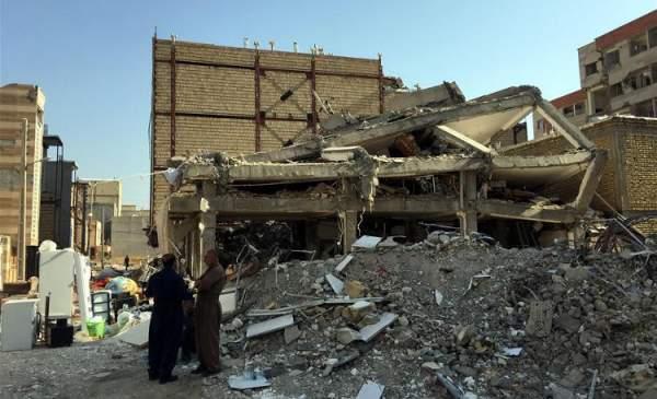 Động đất ở Iran khiến hơn 40 người bị thương, hư hỏng nhiều nhà cửa 1
