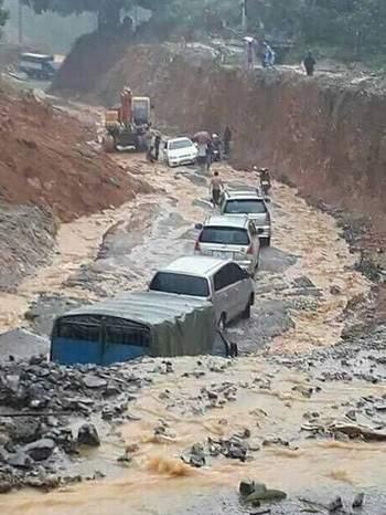 29 người thiệt mạng trong mưa lũ dồn dập 2