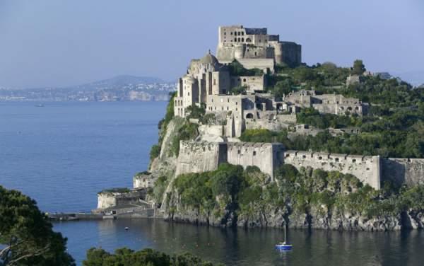 Italia: Động đất tại đảo du lịch Ischia, hàng chục người thương 1