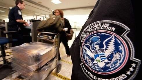 """Nga tố Mỹ tìm cách dựng """"bức tường thị thực"""" 1"""