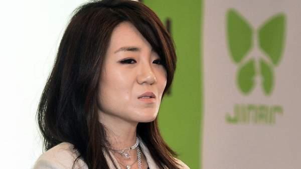 Con gái Chủ tịch Korean Air từ chức vì hất nước vào mặt nhân viên 1