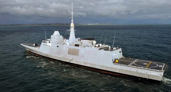 """Máy bay Nga """"kèm"""" tàu chiến Pháp ngay trước vụ không kích Syria 1"""