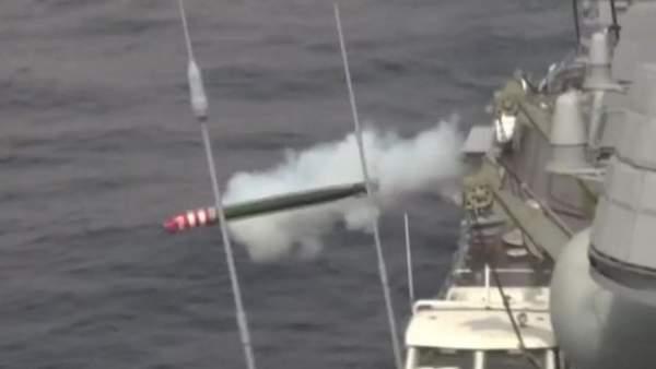 Dàn tàu chiến Nga tập trận bắn đạn thật trên biển Nhật Bản 4