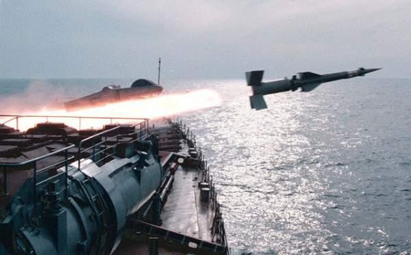 Hạm đội tàu chiến Nga tập trận sát sườn Syria 1