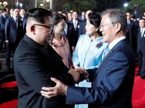 Khi ông Kim Jong-un trổ tài... quyến rũ 11