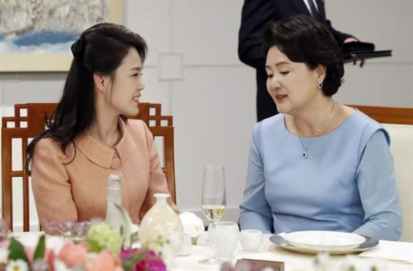 Khi ông Kim Jong-un trổ tài... quyến rũ 8