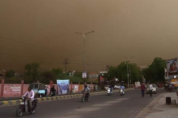 Bão cát tấn công Ấn Độ, 77 người thiệt mạng 2