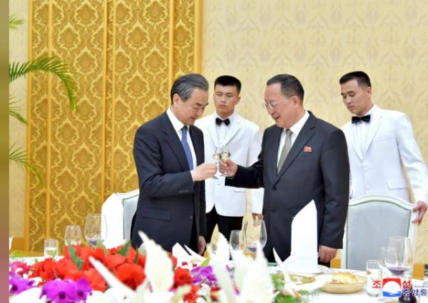 """Trung Quốc nỗ lực để không bị """"ra rìa"""" trong vấn đề Triều Tiên 1"""
