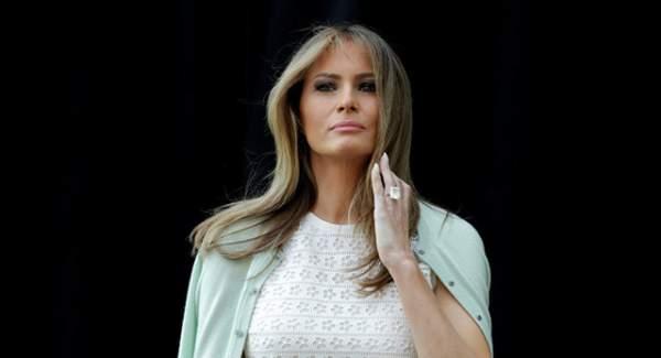"""Tổng thống Trump gây """"bão"""" mạng vì viết nhầm tên vợ 1"""