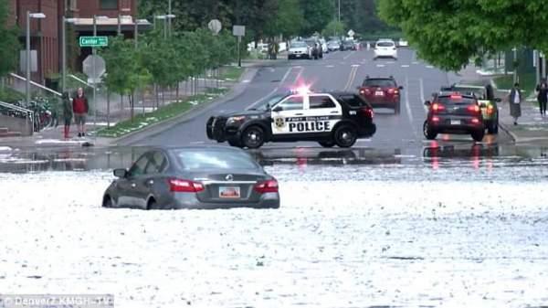 """Đường phố Mỹ thành """"sông"""" sau mưa lớn 4"""