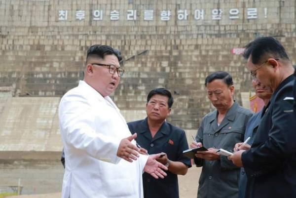 """""""Giải mã"""" cơn giận hiếm thấy của ông Kim Jong-un trong các chuyến thị sát 1"""