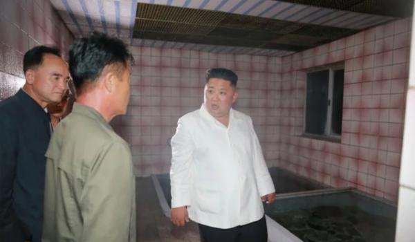 """""""Giải mã"""" cơn giận hiếm thấy của ông Kim Jong-un trong các chuyến thị sát 2"""