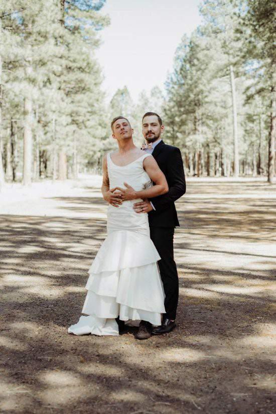 """Chú rể bàng hoàng khi cô dâu """"bị đánh tráo"""" trong lễ cưới 7"""
