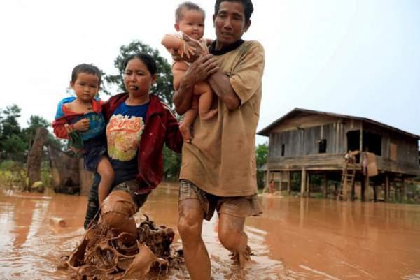 Nước rút bùn ngập, người Lào chật vật trở về nhà sau sự cố vỡ đập 1