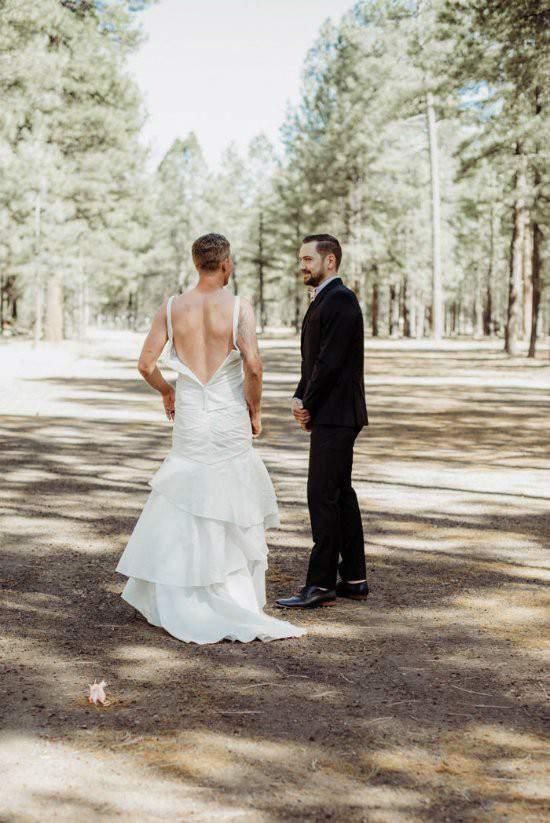 """Chú rể bàng hoàng khi cô dâu """"bị đánh tráo"""" trong lễ cưới 5"""