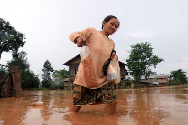 Nước rút bùn ngập, người Lào chật vật trở về nhà sau sự cố vỡ đập 11