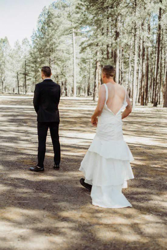 """Chú rể bàng hoàng khi cô dâu """"bị đánh tráo"""" trong lễ cưới 4"""