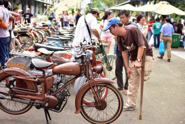 Ngắm những mẫu xe độc, lạ trong ngày hội xe cổ Sài Gòn 10