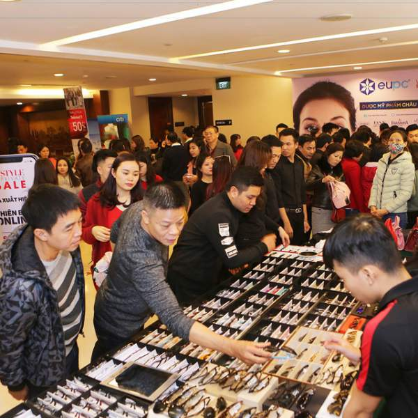 Hà Nội & Hải Phòng cùng đón siêu sự kiện giảm giá hàng hiệu 3