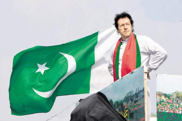 Pakistan bầu thủ tướng mới, Trung Quốc cho vay 2 tỷ USD 1