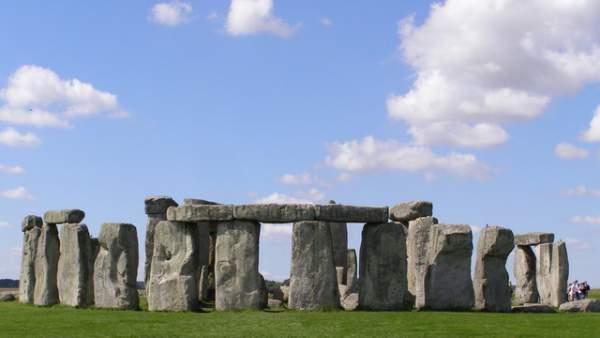 Bí mật bên dưới bãi đá Stonehenge 5.000 năm tuổi 1