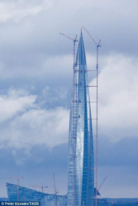 Cận cảnh tòa tháp chọc trời cao nhất châu Âu tại Nga 9