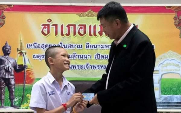 Thái Lan cấp quốc tịch cho 4 thành viên đội bóng Lợn Rừng 1