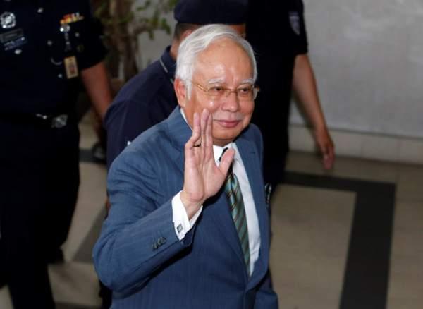 Cựu thủ tướng Malaysia bị buộc tội rửa tiền 1