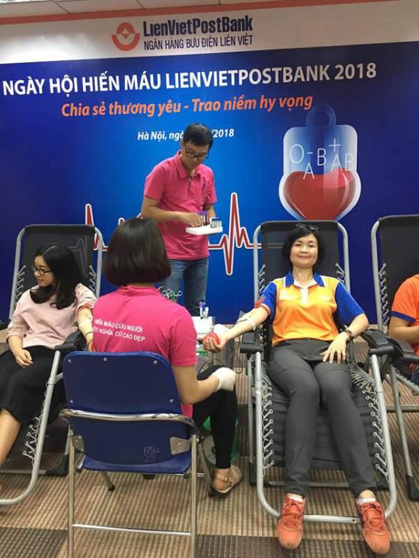 """Ngày hội Hiến máu nhân đạo LienVietPostBank 2018: """"Vẻ đẹp đời là cho đi"""" 3"""