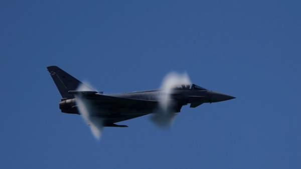 Máy bay chiến đấu NATO bắn nhầm tên lửa gần biên giới Nga 1