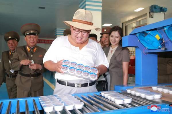 Phong cách thời trang hiếm thấy của ông Kim Jong-un 8