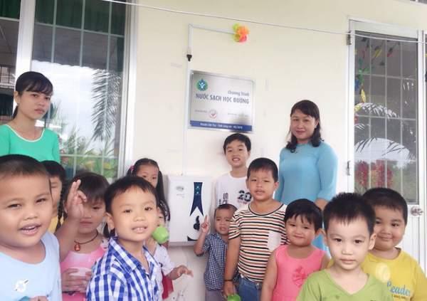 Trang bị hàng trăm máy lọc nước mới cho 27 trường học ở Long An 3