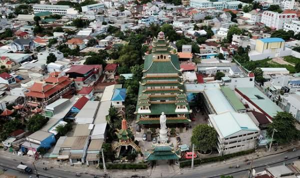 Ngôi chùa có chánh điện cao nhất Việt Nam đẹp như tranh ở Sài Gòn 1