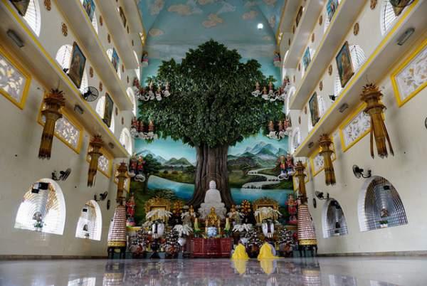 Ngôi chùa có chánh điện cao nhất Việt Nam đẹp như tranh ở Sài Gòn 6