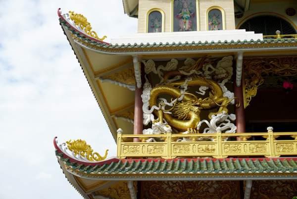 Ngôi chùa có chánh điện cao nhất Việt Nam đẹp như tranh ở Sài Gòn 5