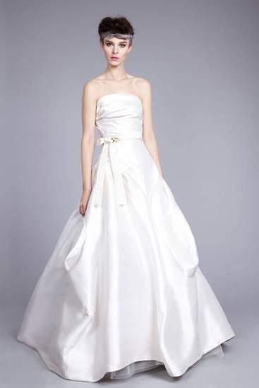Các mẫu váy nổi bật Tuần thời trang cưới Xuân Hè 2015 9